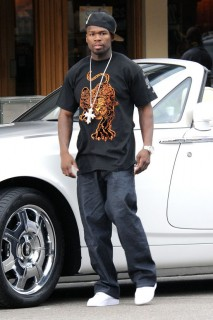 50 Cent on the set of HBO\'s Entourage in Los Angeles (June 12th 2009)