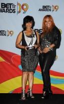 Mary Mary // 2009 BET Awards (Press Room)