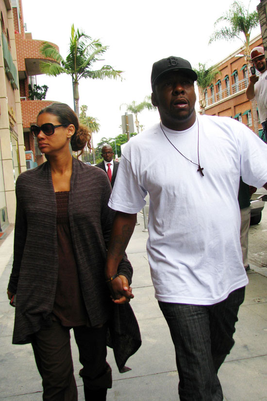 Bobby Brown & girlfriend/manager Alicia Etheridge on Bedford Dr. in Beverly Hills (June 9th 2009)