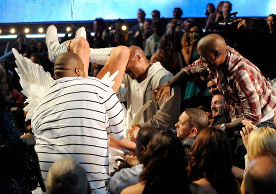 Eminem & his crew getting Bruno off of Eminem at the 2009 MTV Movie Awards