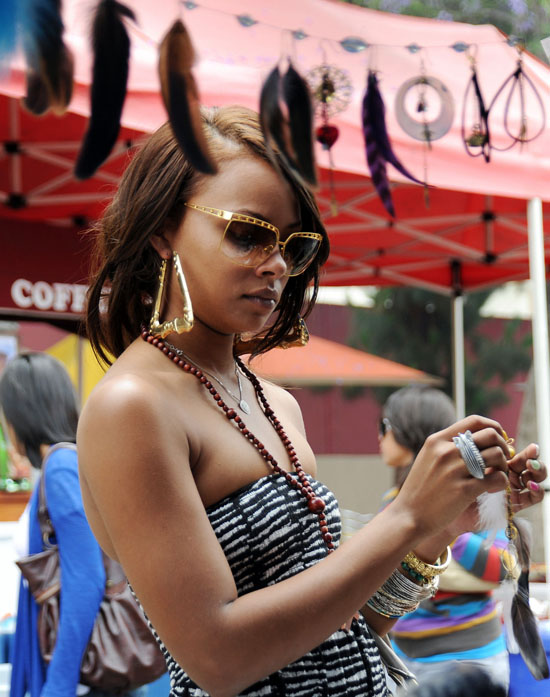 Eva Marcille shopping at Melrose Flea Market in Los Angeles (June 14th 2009)