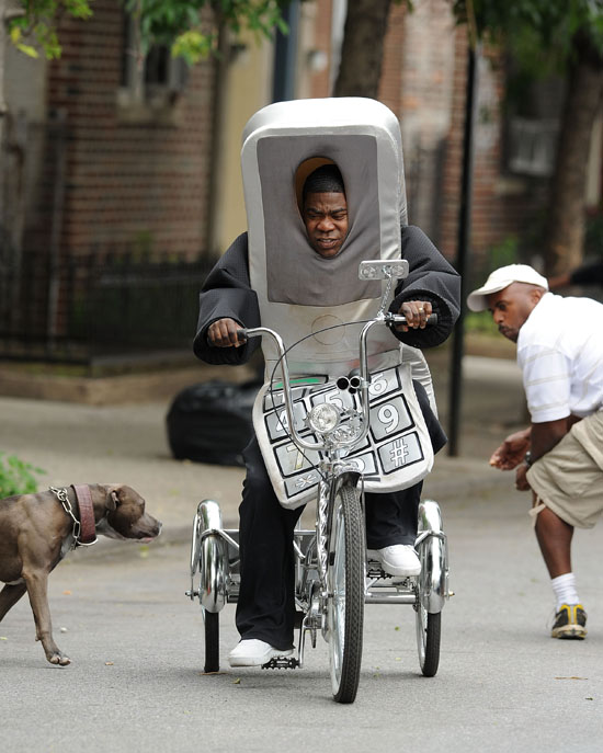 """Tracy Morgan on the set of """"A Couple of D*cks"""" (aka """"A Couple of Cops"""") in Brooklyn, NY (June 3rd 2009)"""