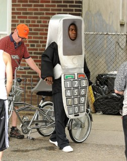 """Tracy Morgan on the set of \""""A Couple of D*cks\"""" (aka \""""A Couple of Cops\"""") in Brooklyn, NY (June 3rd 2009)"""