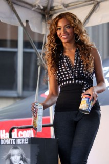 Beyonce // Kick-Off of National Show Your Helping Hand Hunger Relief Initiative