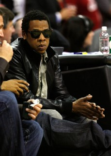 Jay-Z courtside at Cavaliers/Magic game (May 28th 2009)