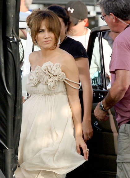Jennifer Lopez on the set of The Back-Up Plan in Los Angeles (June 17th 2009)