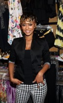 Keri Hilson // In A Perfect World album signing at Wet Seal in Beverly Hills