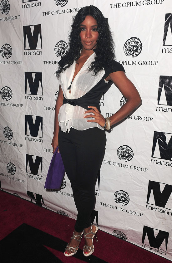 Kelly Rowland //Mansion nightclub red carpet in Miami (June 3rd 2009)