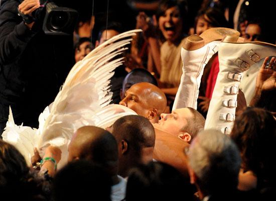 Sacha Baron Cohen's Azz & Eminem's Face // 2009 MTV Movie Awards