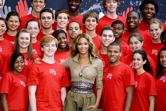 "Beyonce & The Chicago Children's Choir // ""Show Your Helping Hand"" Press Conference in Chicago"