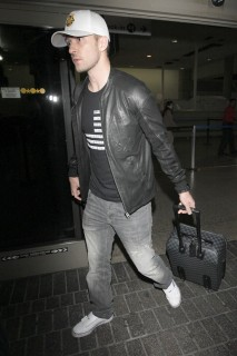 Justin Timberlake at LAX airport in Los Angeles (July 2nd 2009)