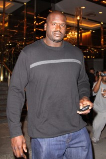 Shaquille O\'Neal leaving his Midtown Manhattan Hotel in NYC (June 29th 2009)