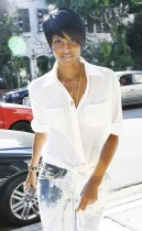 Ciara shopping at Intermix on Robertson Boulevard in West Hollywood (July 21st 2009)