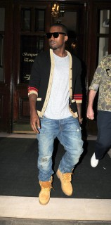 Kanye West leaving his London hotel (July 5th 2009)
