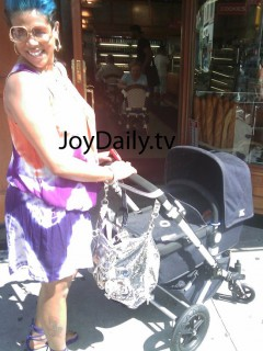 Kelis & baby Knight in NYC (July 30th 2009)