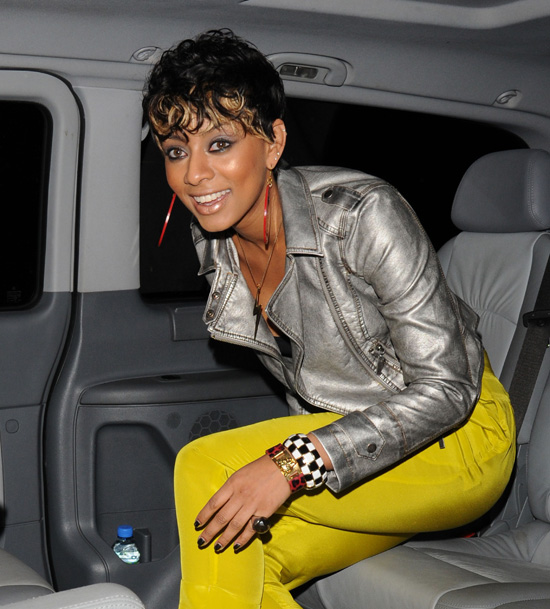 Keri Hilson leaving the Landmark hotel in London, England (July 14th 2009)