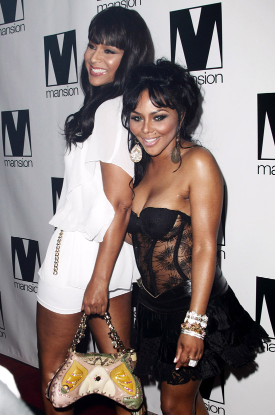 Lil Kim & LisaRaye // Lil Kim's 34th Birthday Party at Mansion in Miami (July 23rd 2009)