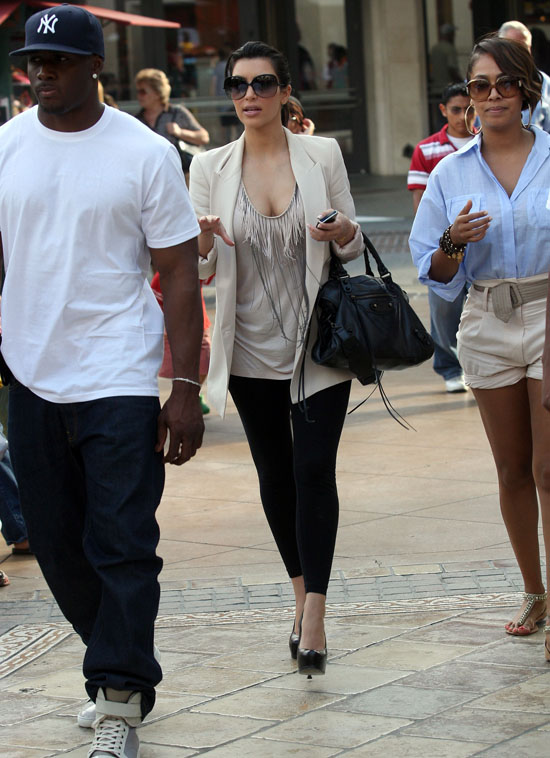 Reggie Bush, Kim Kardashian and LaLa Vazquez shopping in Hollywood (June 29th 2009)