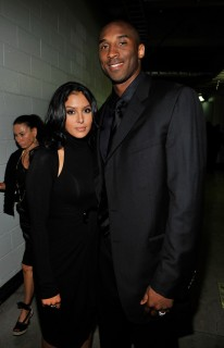 Kobe Bryant and his wife Vanessa // Michael Jackson's Public Memorial (Backstage)