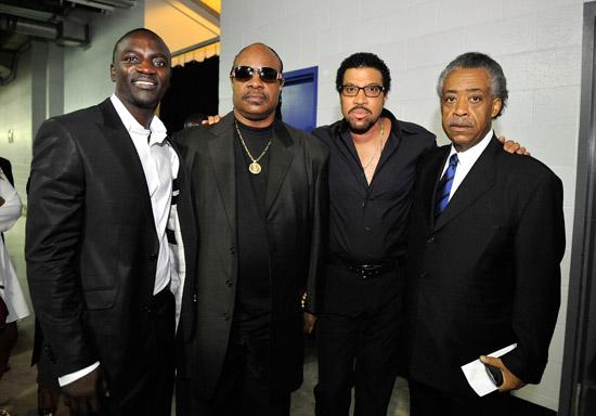 Akon, Stevie Wonder, Lionel Richie and Al Sharpton // Michael Jackson's Public Memorial (Backstage)