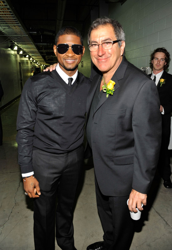 Usher and (director) Kenny Ortega // Michael Jackson's Public Memorial (Backstage)