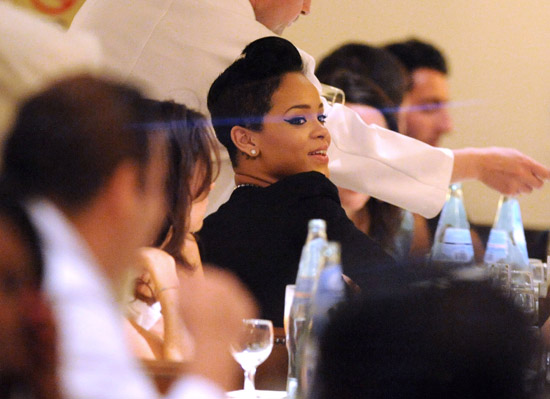 Rihanna dines at Downtown Cipriani in NYC (July 28th 2009)