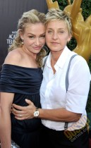 Ella DeGeneres and her wife Portia de Rossi // 2009 Daytime Emmy Awards