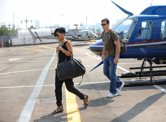 Rihanna arrives at a Manhattan heliport (August 3rd 2009)