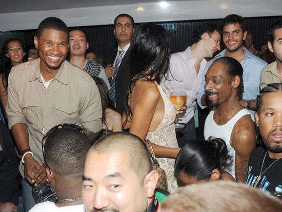spotted snoop dogg and usher partying at a club in st tropez