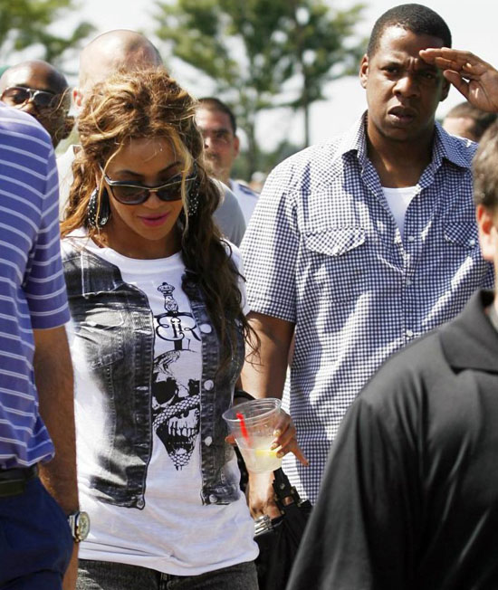 Colorado Shooting Devon Erickson Identified As One Of Two: Beyonce And Jay-Z Attend 2009 Barclays Golf Tournament In