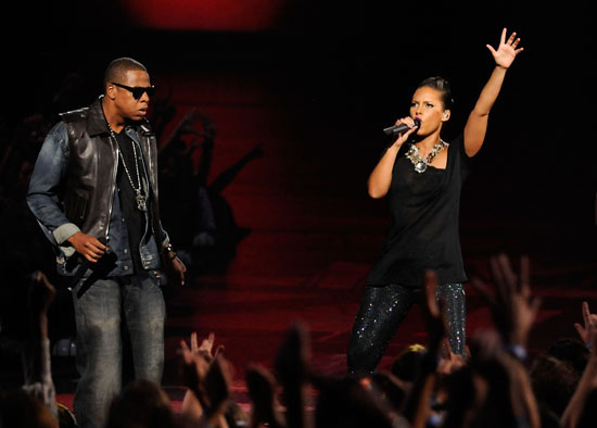 "Jay-Z and Alicia Keys performing ""Empire State of Mind"" at the 2009 MTV Video Music Awards"