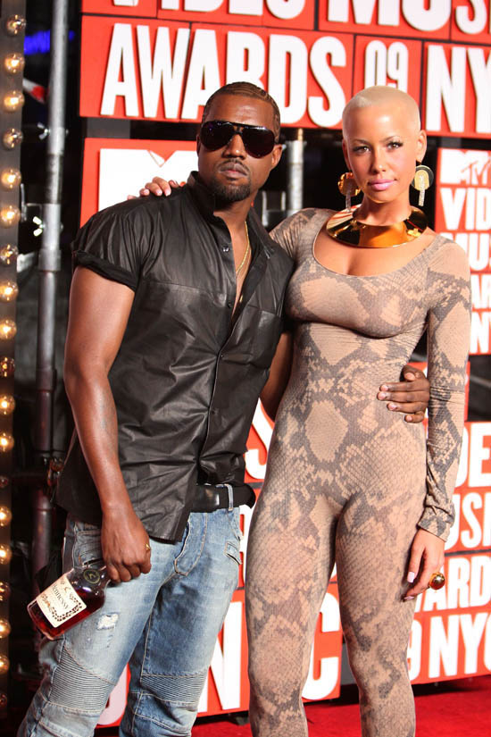 Kanye West and Amber Rose on the Red Carpet of the 2009 MTV Video Music Awards