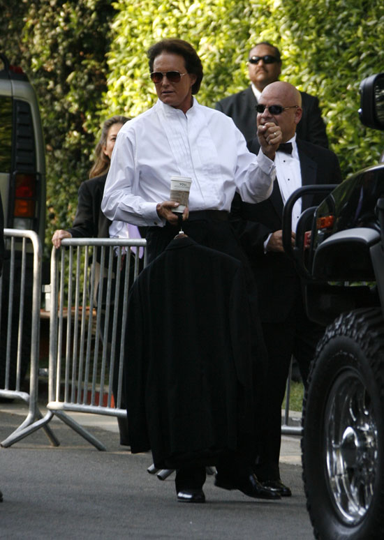 Bruce Jenner Outside Khloe Kardashian Amp Lamar Odoms Wedding In Los Angeles September 27th 2009