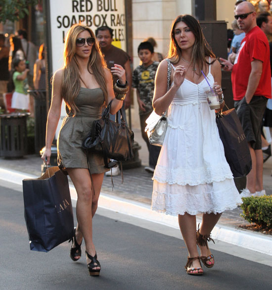 Kim Kardashian and Brittny Gastineau out shopping in Los Angeles (September 5th 2009)