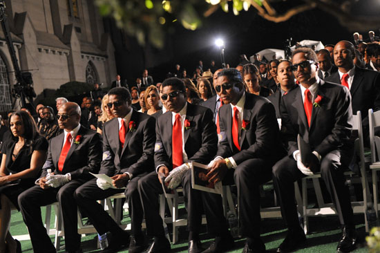 Janet Jackson, Randy Jackson, Jackie Jackson, Tito Jackson, Jermaine Jackson and Marlon Jackson // Michael Jackson's Private Funeral