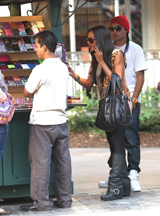 """Angela Simmons and her boyfriend Oscar """"Skillz"""" Salinas (Of Play N Skillz) out shopping in Los Angeles (October 15th 2009)"""