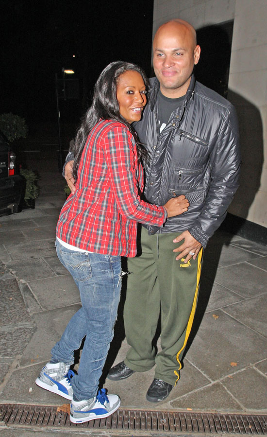 Melanie Brown and Stephen Belafonte outside the May Fair Hotel in London (October 8th 2009)
