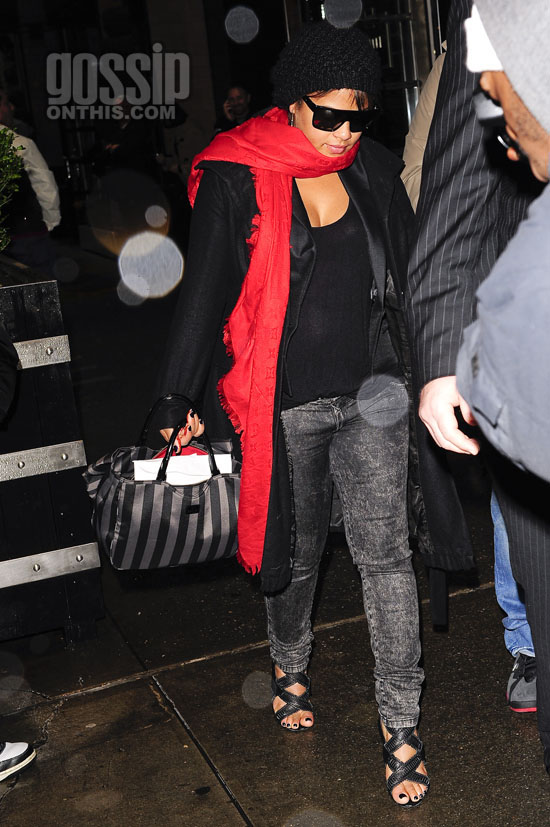 Christina Milian leaving her Midtown Manhattan Hotel in New York City (October 28th, 2009)