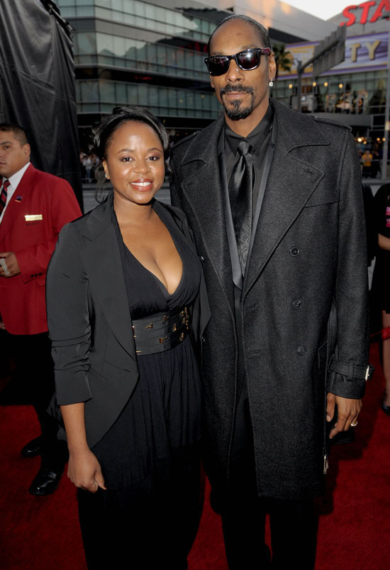 Snoop Dogg and his wife Shante Broadus // 2009 American Music Awards (Red Carpet Arrivals)