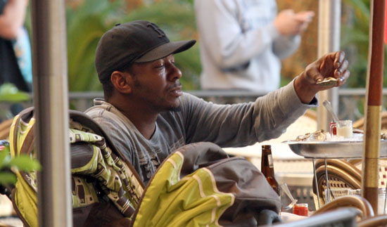 Bobby Brown with his girlfriend Alicia Etheridge and their son Cassius eating lunch in Hollywood, CA - November 16th 2009