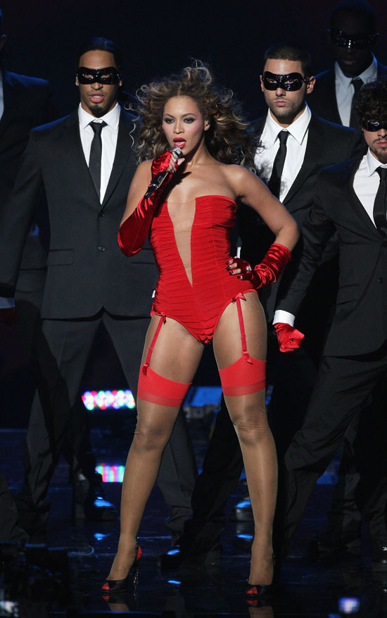 "Beyonce performing ""Sweet Dreams"" // 2009 MTV Europe Music Awards in Germany"