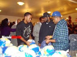 "Daniel ""Boobie"" Gibson (Keyshia Cole's boyfriend) giving away turkeys/groceries at Bethany Baptist Church in Cleveland"