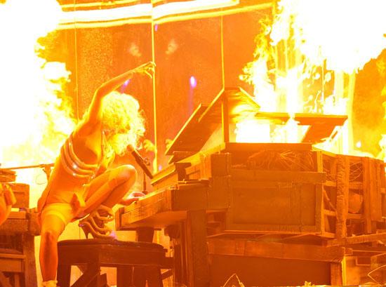 Lady Gaga // 2009 American Music Awards (Show)