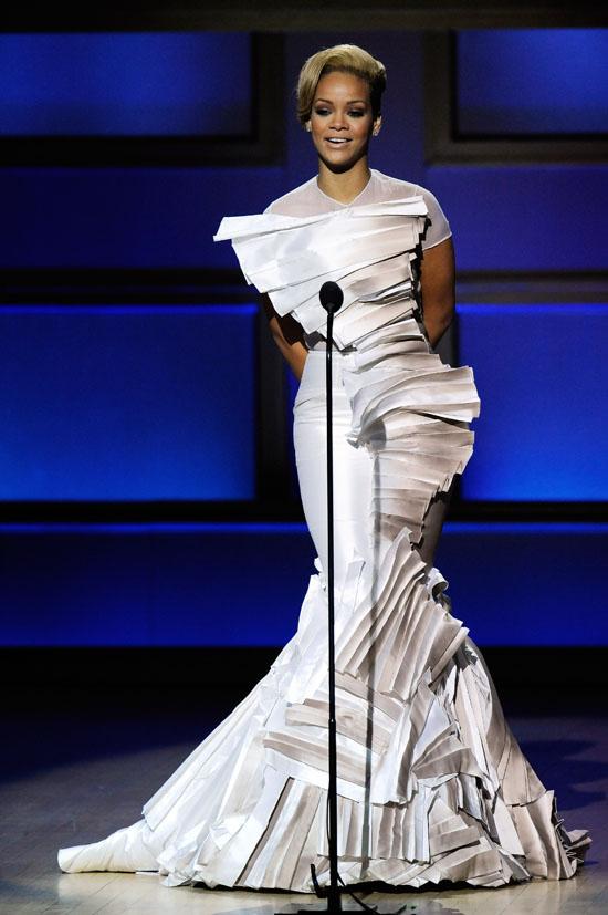 Rihanna speaking // Glamour Magazine 2009 Women of the Year Awards