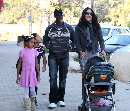 Kimora Lee, Djimon Honsou, Ming and Aoki at Cross Creek Park in Malibu, CA (November 22nd 2009)