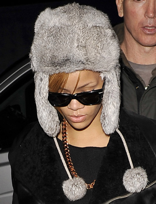 Rihanna (with a bump above her eye) leaving her hotel in London - November 15th 2009