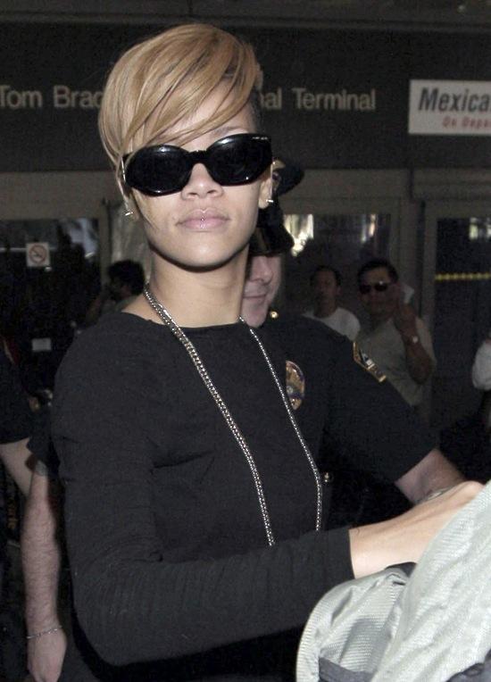 Rihanna at LAX Airport in Los Angeles - November 30th 2009