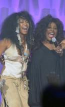 Erykah Badu & Chaka Khan // 2009 Soul Train Music Awards (Show)