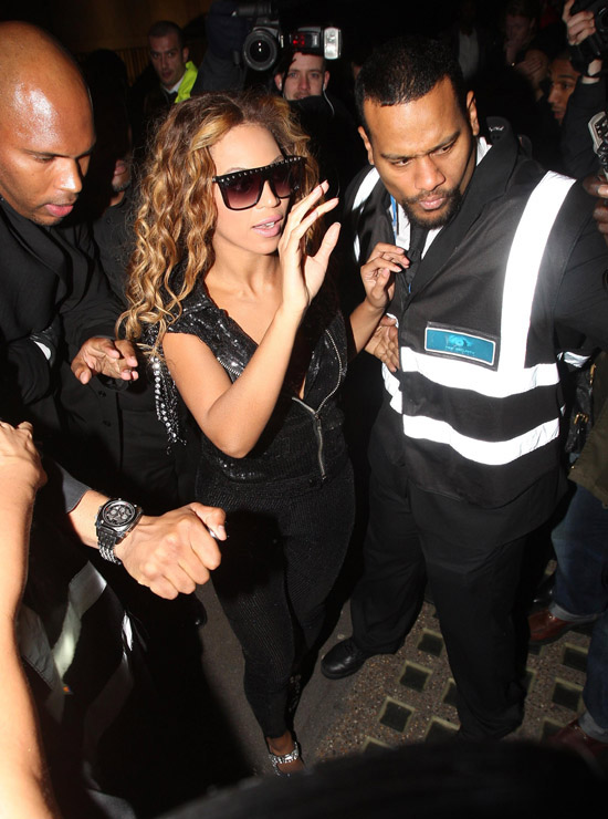 Beyonce leaving Whisky Mist nightclub in London - November 15th 2009