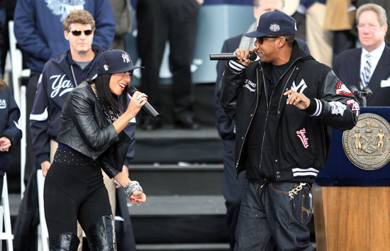 Jay-Z and Bridget Kelly // New York Yankees World Series Victory Parade in NYC